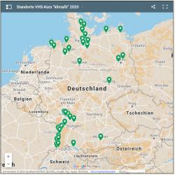 Das Bild zeigt eine Deutschlandlandkarte, mit Markierungen, an welchen Orten die 36 Volkshochschulkurse der Aktion #klimafit2020 stattfinden.