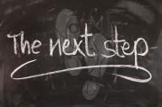 Tafelbild mit Schrift The Next Step