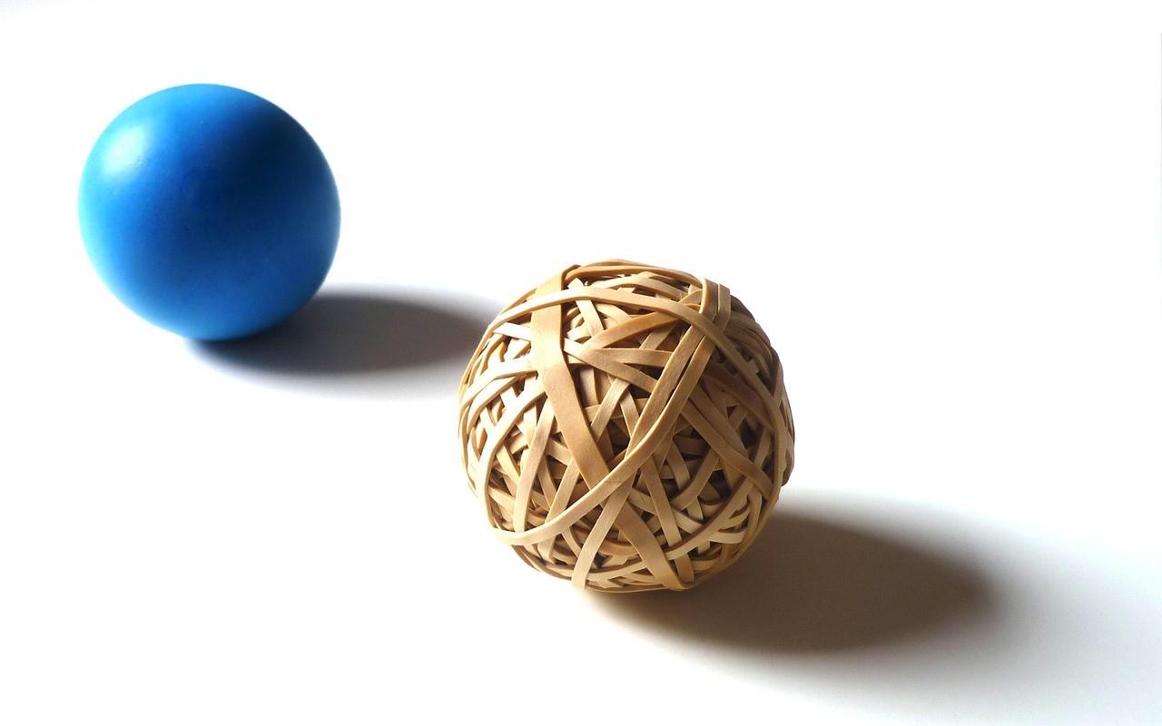 Das Bild zeigt zwei Bälle.