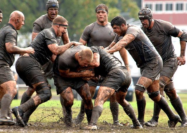 Männer beim Rugby