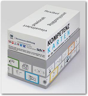 Das Bild zeigt die Box mit den Kompetenzkarten