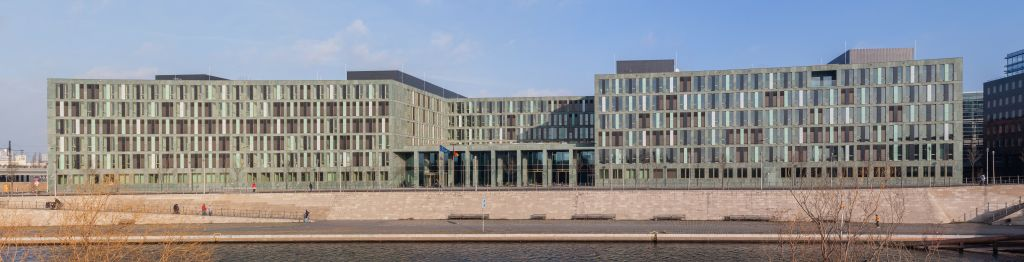 Gebäude des Ministeriums am Spreeufer in Berlin