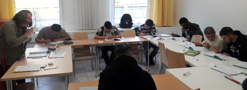 Das Bild zeigt eine Unterrichtssituation