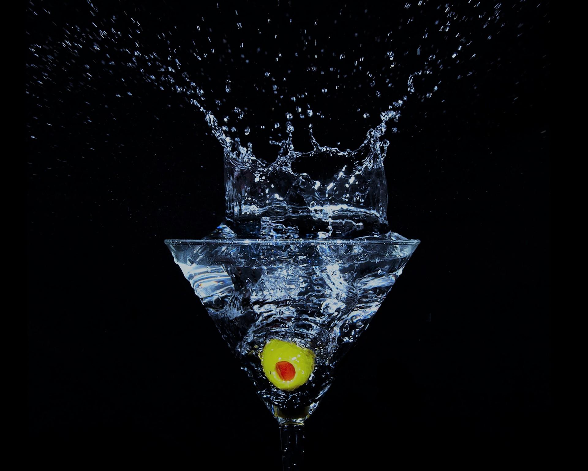 Das Bild zeigt ein Martiniglas.