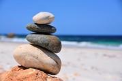 Stapel Steine am Strand
