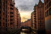 Hamburger Speicherstadt als Umschlagplatz für Güter aus aller Welt