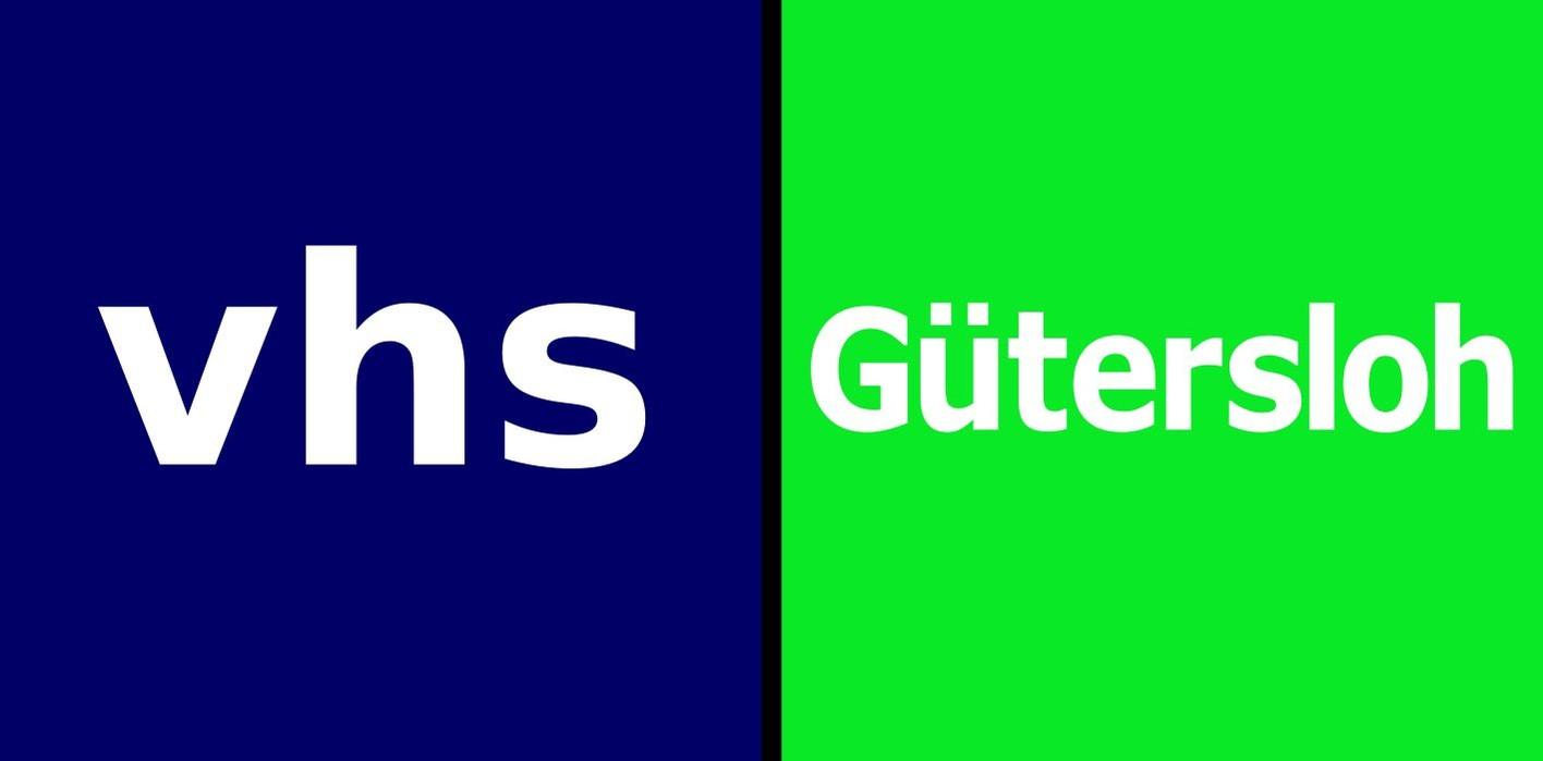Das Logo der VHS Gütersloh. Auf blauem und grünem Hintergrund steht VHS Gütersloh.