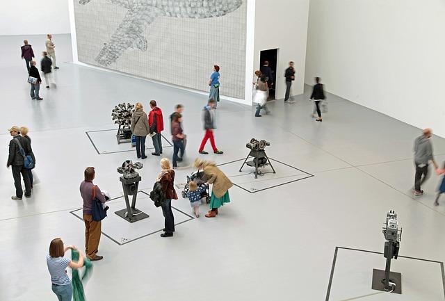 Blick in eine Ausstellungshalle